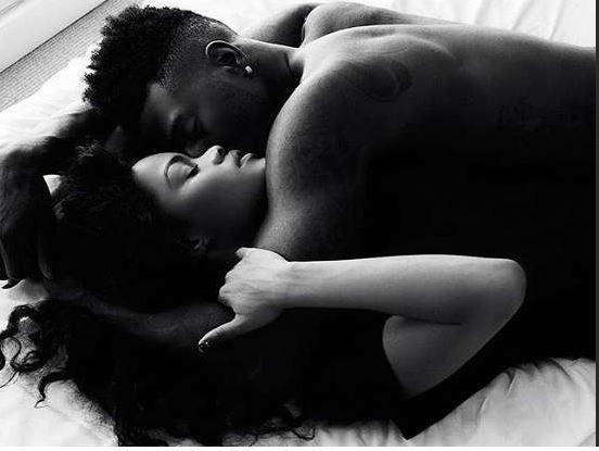 3 reasons couples should sleep naked